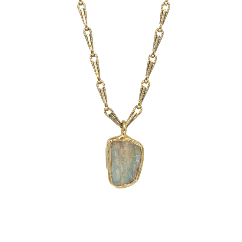 Guardian Pendant Necklace (Labradorite)