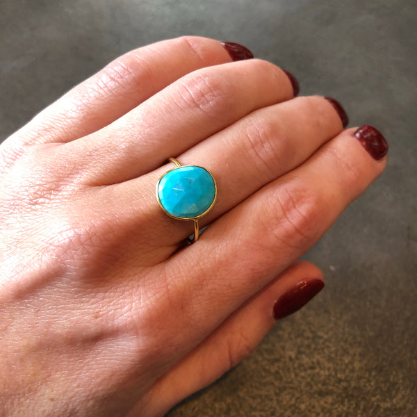 Turquoise Ring in Solid 18K Gold