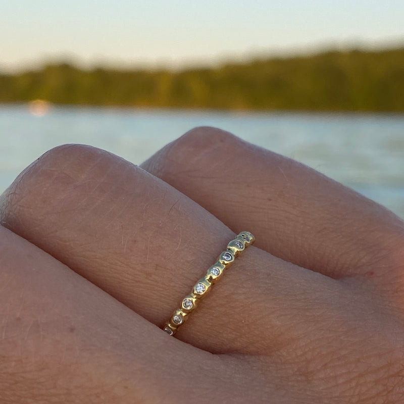 Micro Eternity Band with White Diamonds in 18K Gold