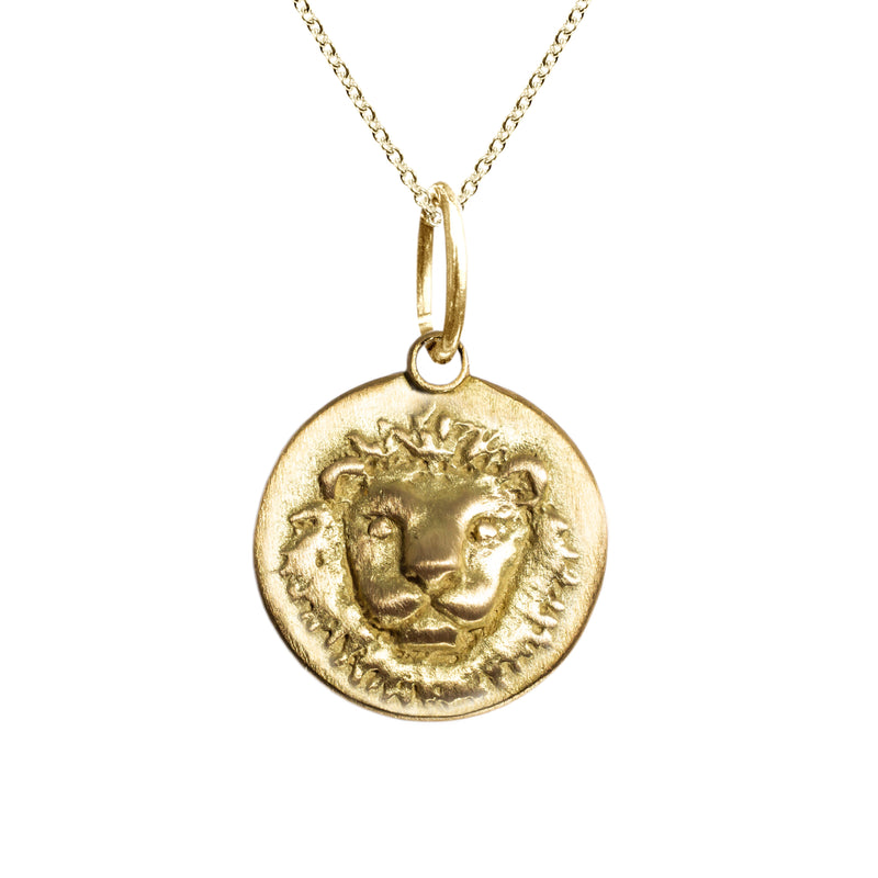 Leo Zodiac Charm in 18K Gold