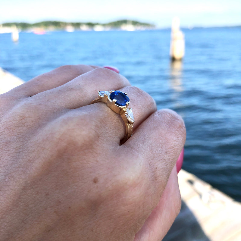 Blue Sapphire & Diamond Ripple Ring in 14K Gold