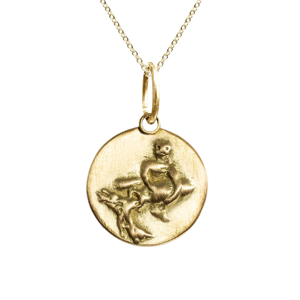 Aquarius Zodiac Charm in 18K Gold