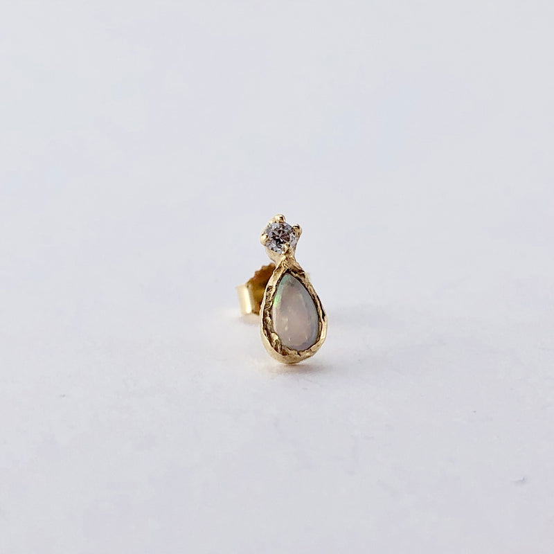 Guiding Light Opal Single Stud Earring in 14K Yellow Gold