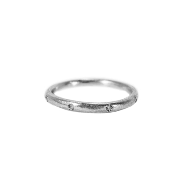 Pod Ring with 8 Diamonds in Sterling Silver