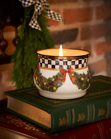 MC Evergreen Winter Candle