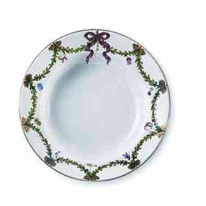 RC Star Fluted Christmas Rim Soup Bowl