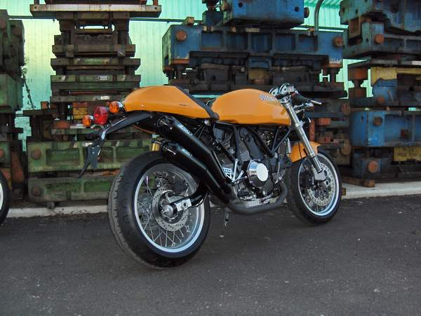 ZARD Shotgun style slip on exhaust for the Ducati Sportclassic