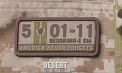 5-01-11 AMERICA NEVER FORGETS TACTICAL COMBAT PVC VELCRO MORALE PATCH - DESERT