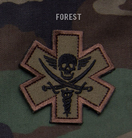 TACTICAL COMBAT MEDIC BADGE PIRATE - FOREST