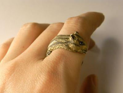 "DECO ""Winding Chipmunk ring (gold) -real sapphire-"""