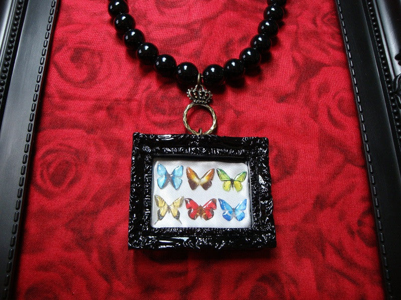 "Anima! Adamas ""6 Butterflies necklace (BLK×WHT)"""