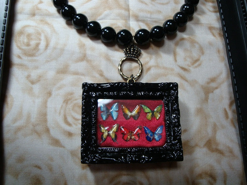 "Anima! Adamas ""6 Butterflies necklace (BLK×RED)"""