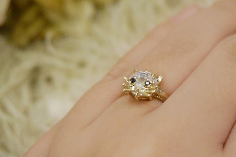 RoseMarie seoir kira-kira cat ring