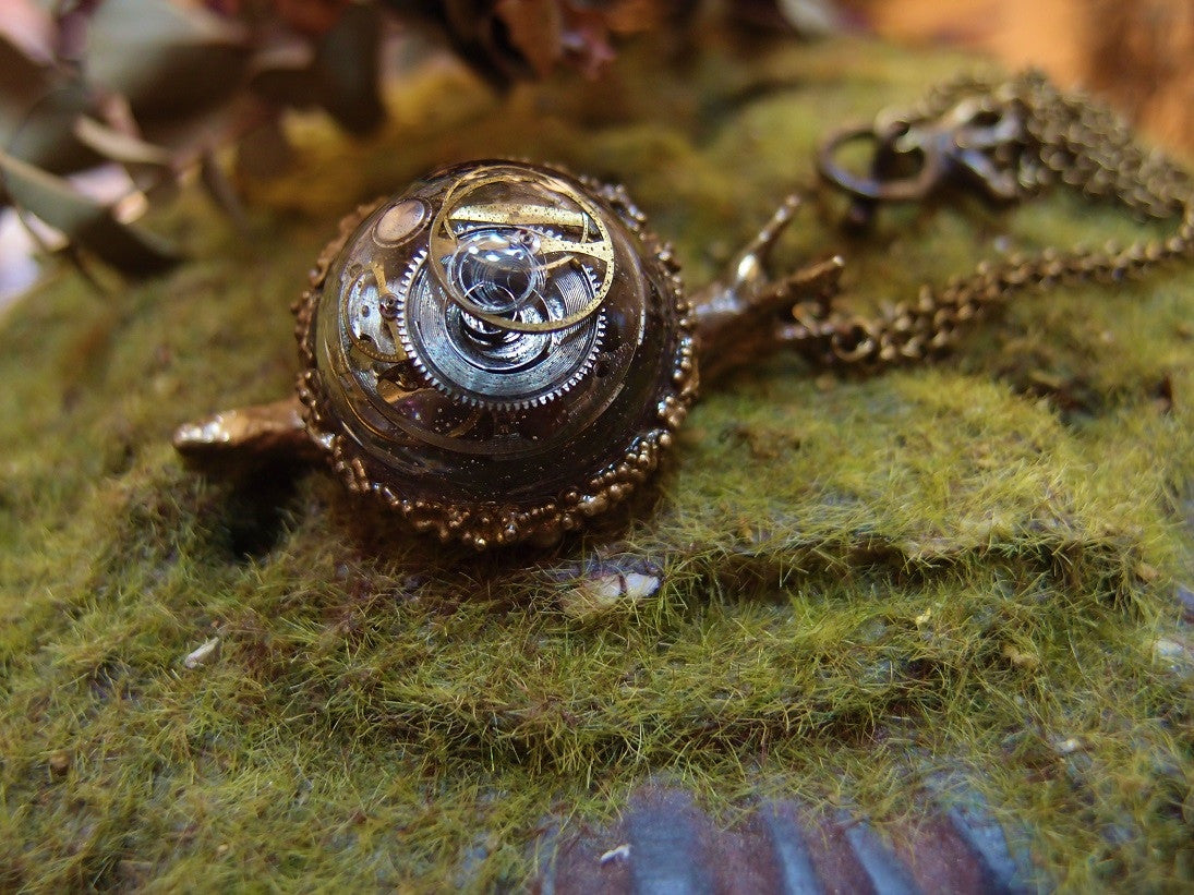 "Lhiannan:Shee ""snail necklace(with antique watch parts)"""