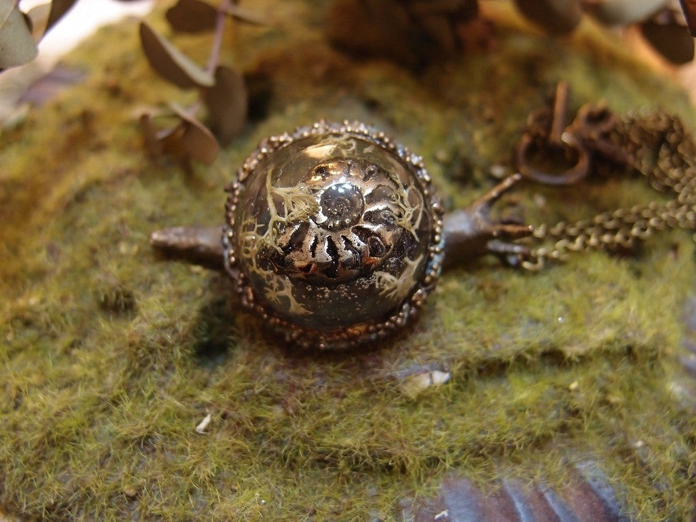 "Lhiannan:Shee ""snail necklace(with a pyritized ammonite)"""