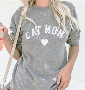 Cat MOM Heart Sweatshirt 🐱🐈👩