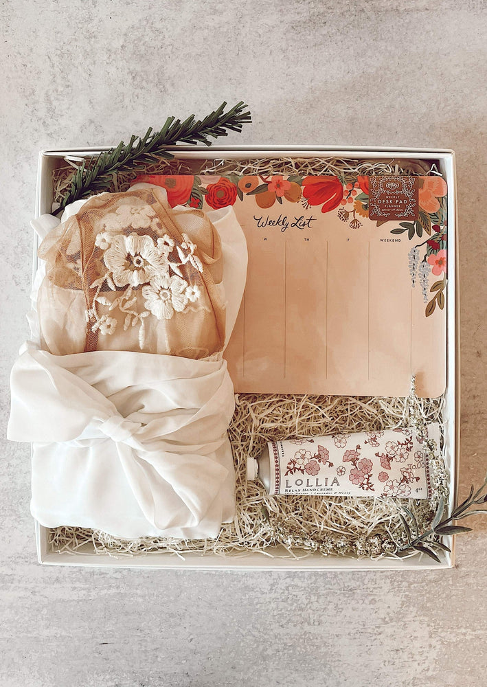"""The Planner"" Brides Box"