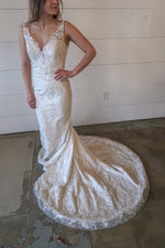 delicate lace wedding dress