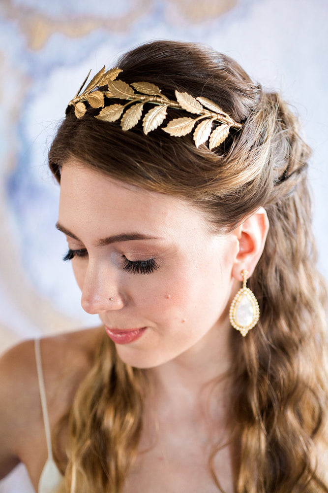 gold crown for wedding