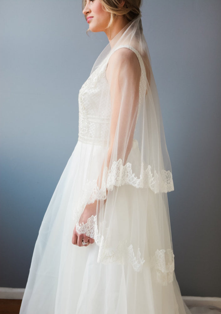 lace lined veil
