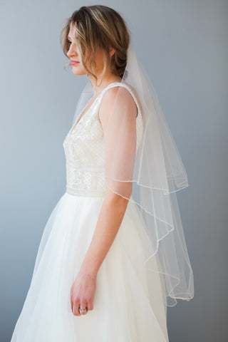 side view of Lola wedding veil