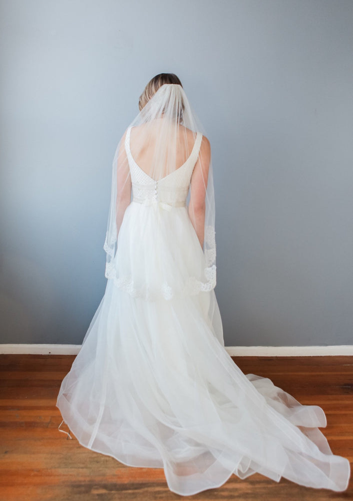 bridal veil with lace