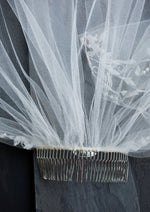 wedding veil comb close up