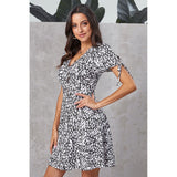 Printed sexy V-neck single-breasted short-sleeved high-waist loose Mini dresses