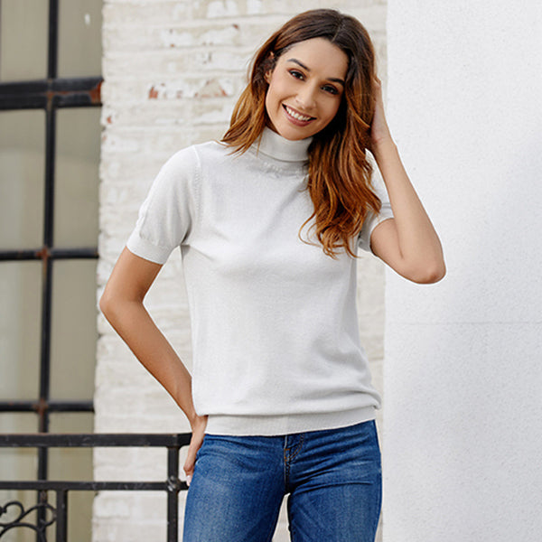 High-necked slim knit T-shirt sweater