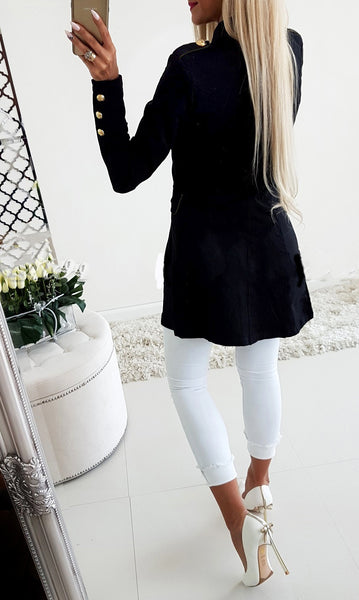 New long sleeved buttoned slim blazer