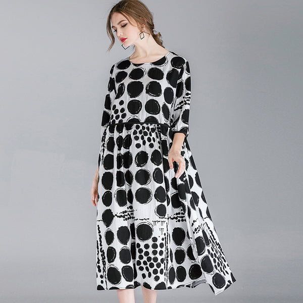 Women Round Neck Half Sleeve Black Dot Pattern Printed Classic Maxi Dress