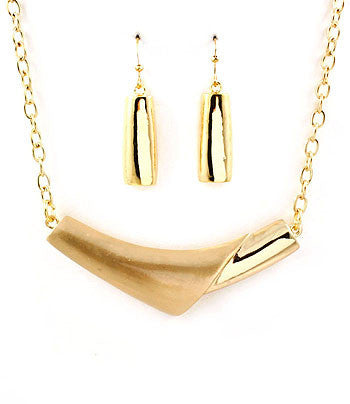 Gold Pyramid Pendant Chain Necklace