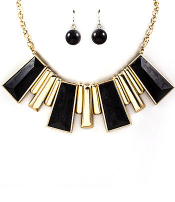 Black and Cream Rectangle Spike Bib Necklace
