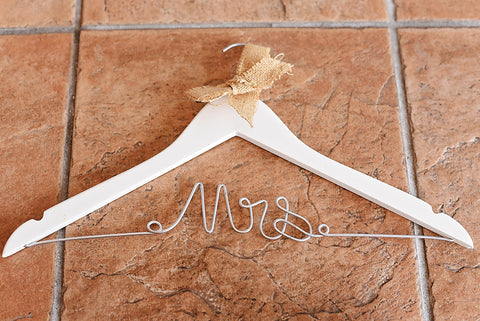 Mrs. Dress Hanger