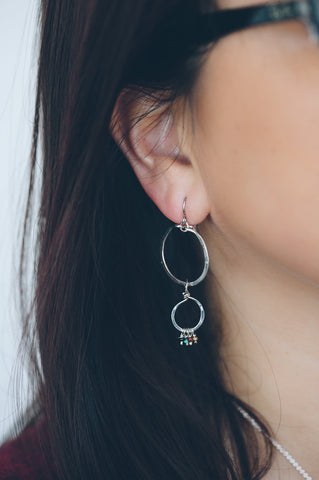 HAMMERED CIRCLE WITH BEAD EARRINGS