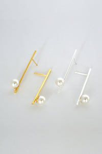 BAR & PEARL EARRINGS