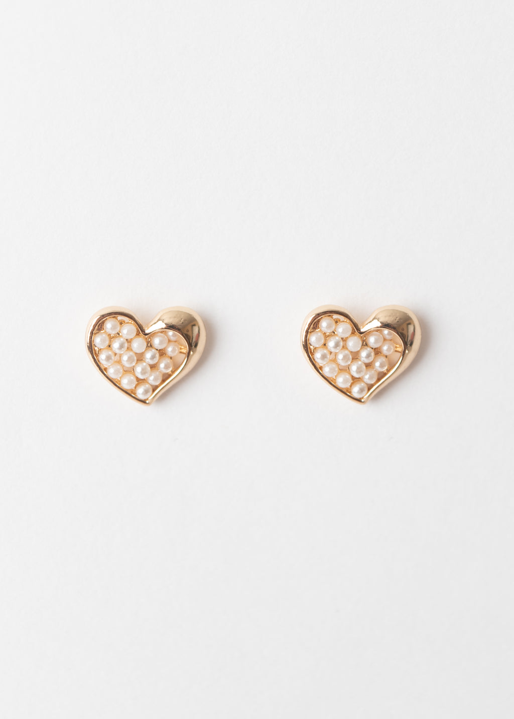 PEARL CENTER HEART STUDS