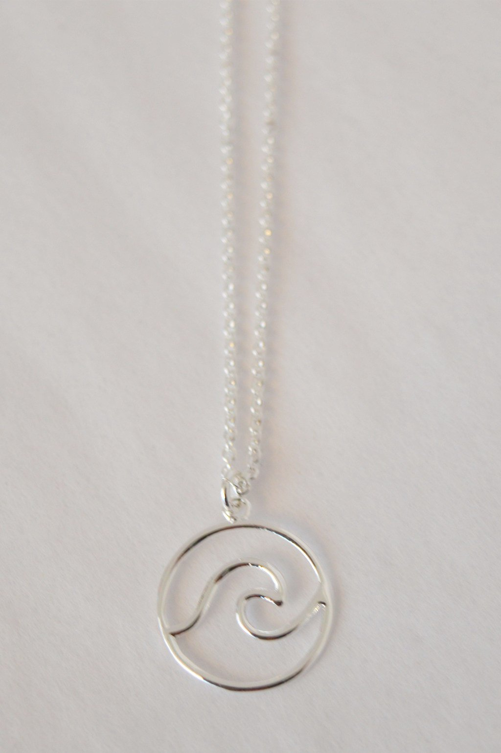 TRANQUILITY WAVE NECKLACE