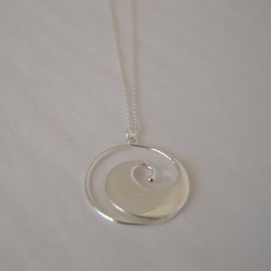 SERENE WAVE NECKLACE