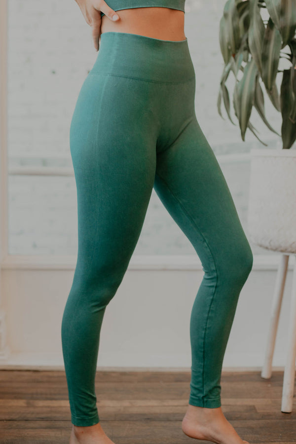SIGN UP FOR RESTOCK! - Venus Basic Highwaist Leggings