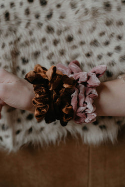 Stocking Stuffer :: Velvet Scrunchie (O+P)
