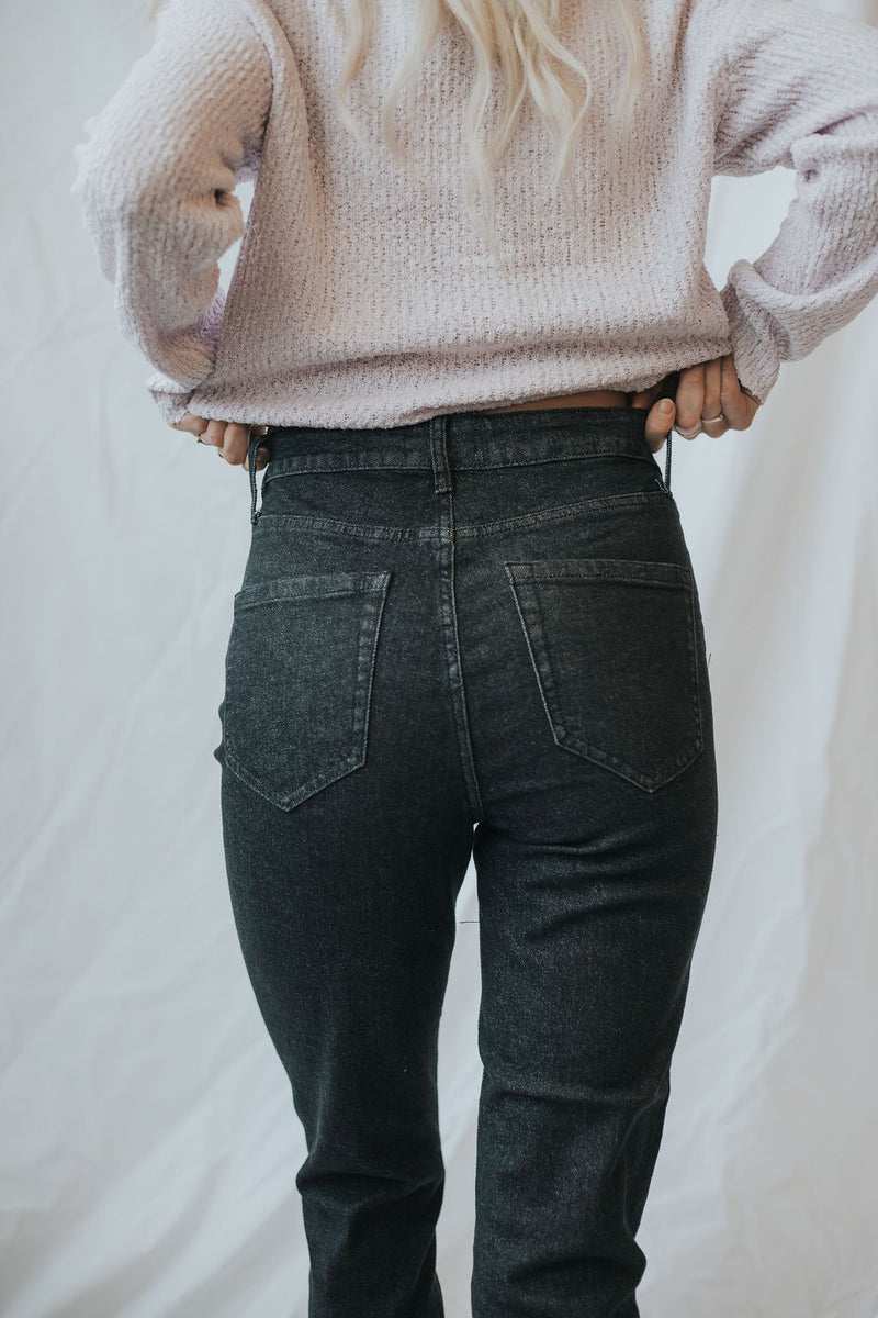 Andy Basic Mom Jeans - size 11 only