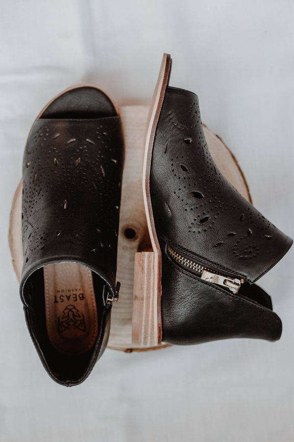 Magnolia Shoes - Black