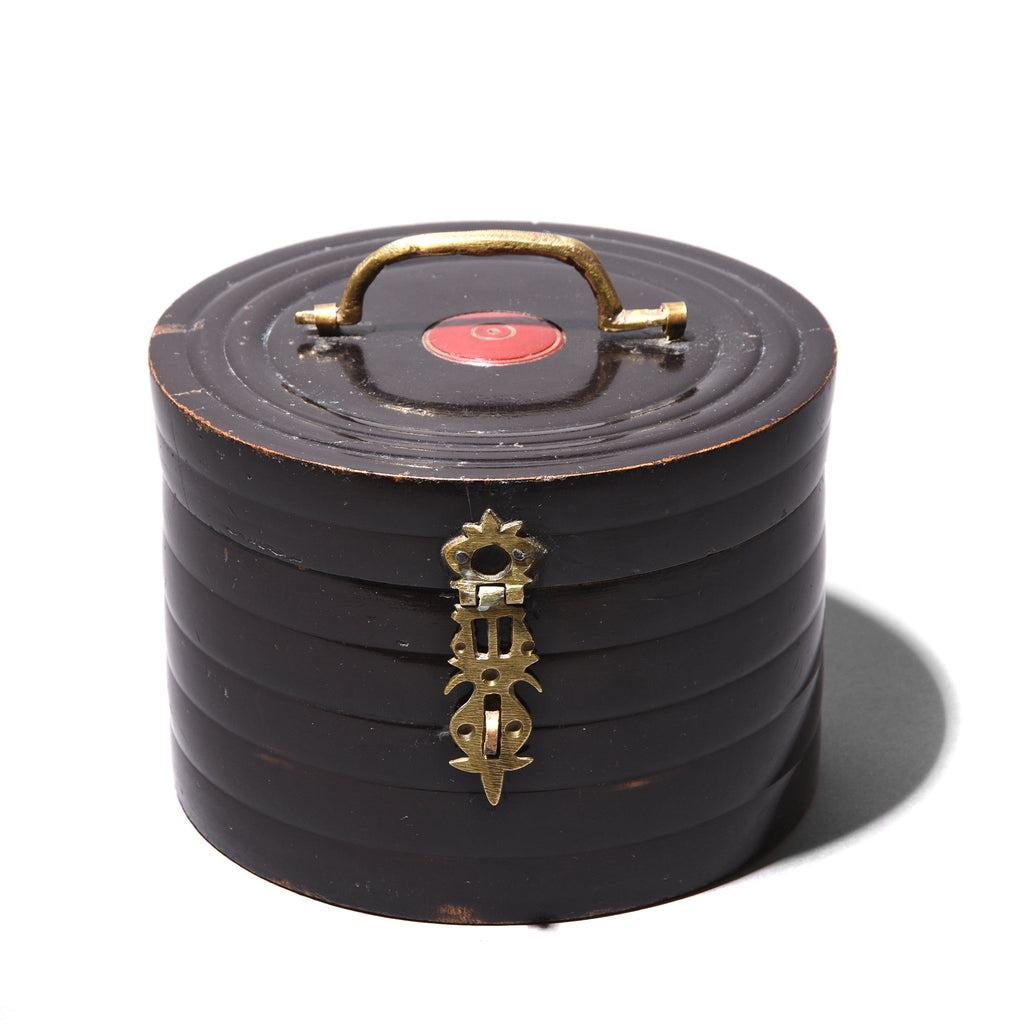 Regency Style Black Lacquer Pot From Rajasthan - 19thC