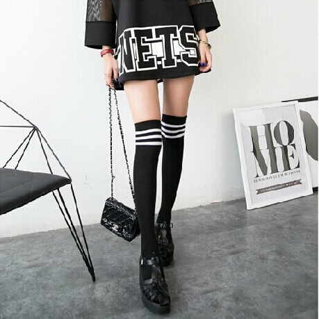 Harajuku Three Stripped Knee Socks