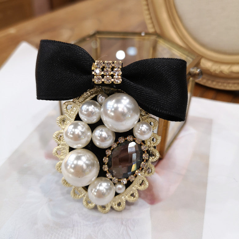 BROOCH BADGE retro temperament Jean bowknot sweater Brooch Pin female