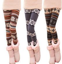 Load image into Gallery viewer, fashion stripe snowflake leggings