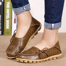 Load image into Gallery viewer, Women 's Summer Leather Leisure Sandals Peas Flat Sandal Shoes Middle - aged Female Large Size Mother Shoes