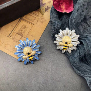 Hand made antique style high quality Brooch