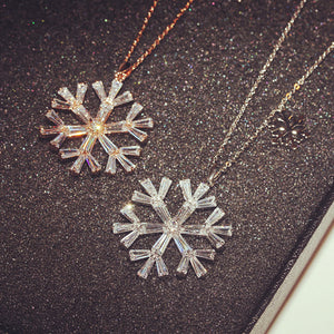 Christmas Snowflakes Pendant Chain Necklace